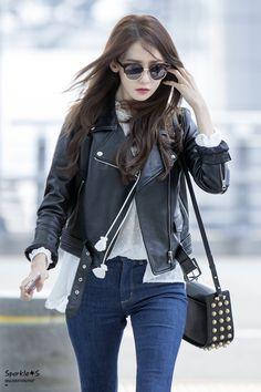 Korean Fashion Woman Yoona airport fashion