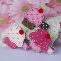 This listing is for the perfect birthday clip! A wonderfully detailed felt cupcake decorates a 1.75 inch alligator clip with coordinating polka