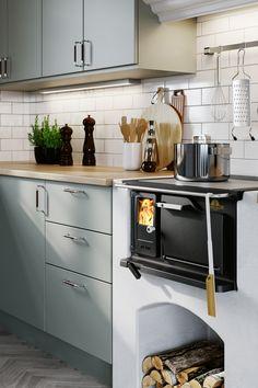 Swedish Kitchen, Cozy Kitchen, Home Decor Kitchen, Kitchen Interior, Kitchen Dining, Raised Ranch Remodel, 1920s Kitchen, Scandinavian Cottage, Deco Champetre