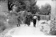 Moreover even in defeat the Greeks kept harassing and killing the German paratroopers in Crete. Description from incredibleimages4u.blogspot.com. I searched for this on bing.com/images