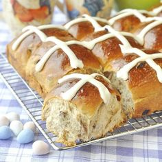 Not just for Easter Sunday, these delicious, fragrant, yeast raised sweet rolls have become a brunch staple year round at our house. Hp Sauce, Guyanese Recipes, Baking Buns, Baking Breads, Muffins, Simply Yummy, Rock Recipes, Sweet Buns, Gourmet