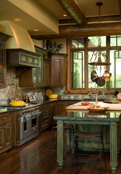 Edgewood Custom LogHomes - Style Estate -