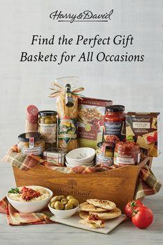 Homemade Gift Baskets, Food Gift Baskets, Homemade Gifts, Raffle Baskets, Christmas Baking Gifts, Christmas Crafts, Xmas, Creative Food, Creative Gifts