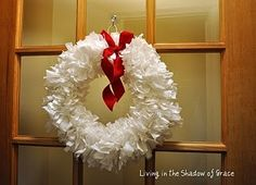 Trash Bag Wreath...impressive--I made this in school, I'll have to let the kids try their hand at it!