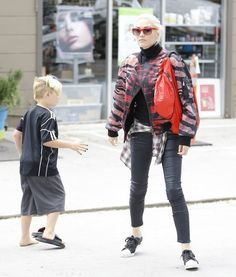 Gwen Stefani takes her son Zuma to a nail salon