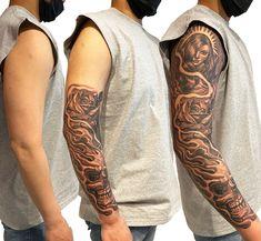 #msitercartoon #ink #sleeve #tattoo Black And Grey, Ink, Tattoos, Sleeves, Tatuajes, Tattoo, India Ink, Cap Sleeves, Tattos