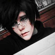 So i was randomly trying some makeup and here we are;; #elfgutzinspired…