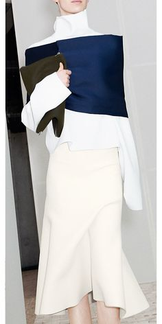 CÉLINE 2013 Winter ready to wear look 35 midnight blue stole, white top with off-white skirt, clutch #minimalist #fashion #style