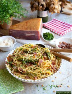 Vous vous régalerez avec cette délicieuse recette de pâtes, mélange d'Italie et de Pays Basque et Béarn.  #JambonDeBayonne #StayInspired Spaghetti, Pasta, Le Diner, Italian Recipes, Food And Drink, Cooking Recipes, Ethnic Recipes, Mai, Foods