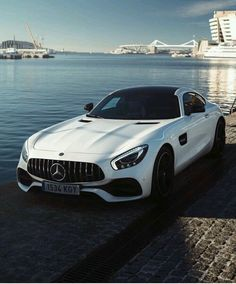 Mercedes Benz Official Classic Cars Daimlers Online place for HD content! Mercedes Auto, Carros Mercedes Benz, Mercedes Benz Autos, Mazda, Automobile, Mercedez Benz, Bmw Autos, Top Luxury Cars, Bmw I8