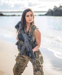 G & G - Army girl - Miltiary Mädchen In Uniform, Military Girl, Female Soldier, Military Women, Warrior Girl, Guns, Lady, Weapons, Airsoft