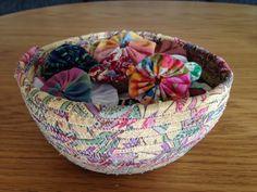 korg Bra Hacks, Textiles, Laundry Basket, T Shirts, Serving Bowls, Bra Tips, Quilts, Tableware, Diy