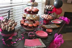 Zebra party table - Cute 2nd b-day idea