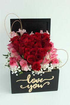 Valentine Flower Arrangements, Valentines Flowers, Valentine Decorations, Valentine Crafts, Flower Decorations, Floral Arrangements, Flower Box Gift, Flower Boxes, Diy Flowers