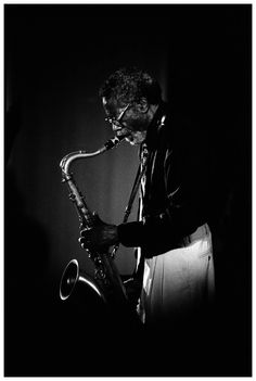 """""""At this time, Henderson's primary influences were Lee Kontiz and Stan Getz. 'Charlie Parker was too much for me to understand. My musical capacity wasn't up to it.'"""" - Joe Henderson, quoted by Nat Hentoff in Kenny Dorham's liner notes to Una Mas LP Musician Photography, Band Photography, Jazz Artists, Jazz Musicians, Jazz Blues, Blues Music, Joe Henderson, Music Photo, Music Is Life"""