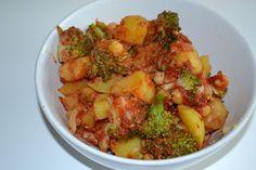 Veganessa hat sich aus ihren Lieblingssachen ein Gericht gezaubert: Kartoffel-Brokkoli-Chana Masala