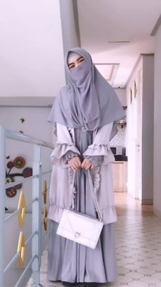 Abaya Style, Hijab Style, Niqab Fashion, Street Hijab Fashion, Fashion Outfits, Hijab Fashionista, Muslim Women Fashion, Islamic Fashion, Hijab Chic