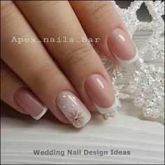 False nails have the advantage of offering a manicure worthy of the most advanced backstage and to hold longer than a simple nail polish. The problem is how to remove them without damaging your nails. Xmas Nails, Holiday Nails, Christmas Nails, Christmas Snowflakes, Snow Nails, Christmas Eve, Fancy Nails, Cute Nails, Pretty Nails