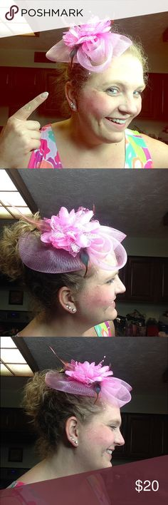 Pink fascinator headband derby 🐎 hat *New* Pink adorable fascinator. New. Bought for a Kentucky derby party and never used. Purposely purchase this pink to match Lilly Pulitzer dresses. Looks amazing with all Lilly Pulitzer clothing. Comes with a hair clip on the back and also a black headband that you can change out. ** not actually Lilly Pulitzer brand, but looks amazing with Lilly Pulitzer. Brand unknown. Lilly Pulitzer Accessories Hats