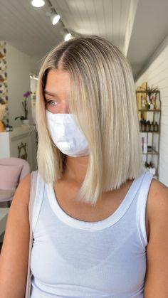 Thin Blonde Hair, Blonde Hair Looks, Medium Blonde Bob, White Blonde Bob, Healthy Blonde Hair, Long Bob Blonde, Short Blonde Bobs, Haircuts For Thin Fine Hair, Short Hair Cuts