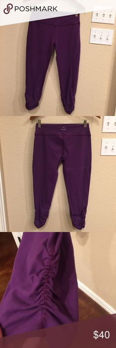 0875a3981eb1a Beyond Yoga Essential Gathered Cropped Leggings Gently used Beyond Yoga  Essential Gathered Cropped Leggings in plumb