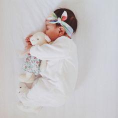 Aww. Baby stuffed animal love. Perfect newborn photography pose.