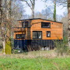 Tiny Houses For Sale, Tiny House On Wheels, Lave Linge Lg, Double Vitrage, Tiny Living, Design Ideas, House Design, Cabin, House Styles