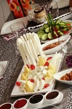 yemek sunumları Kurdish Food, Food Decoration, Turkish Recipes, Food Presentation, Food Design, Brunch Recipes, Food Photo, Food Hacks, Love Food