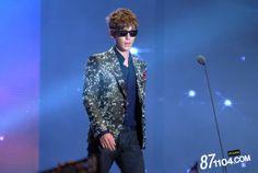 T.O.P representing Big Bang and GD at Melon Music Awards 2011