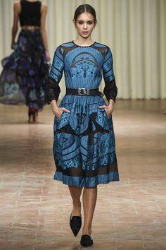 Alberta Ferretti Spring 2017 Ready-to-Wear Fashion Show - Paulina Frankowska