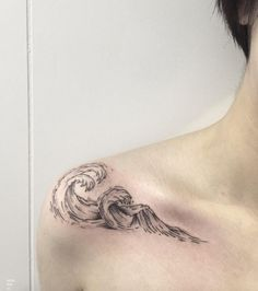 170 Impressive Shoulder Tattoos For Men And Women cool  Check more at http://fabulousdesign.net/shoulder-tattoos/