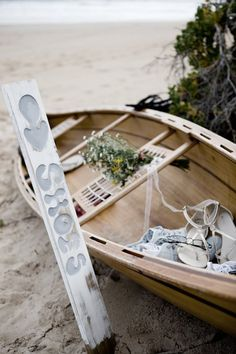 Beach Wedding - Boat for shoes Surfer Wedding, Boat Wedding, Summer Wedding Guests, Beach Wedding Reception, Beach Wedding Decorations, Wedding 2015, Nautical Wedding, Wedding Signs, Wedding Table