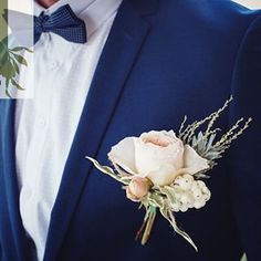 Gorgeous pastel buttonhole on a blue suit #dashing #buttonhole #jademcintoshflowers #weddingcollectivensw #rusticweddingflowers #newcastleweddingflowers #huntervalleyweddingflowers #huntervalleyweddings #huntervalleyflorist #centralcoastweddingflowers #po