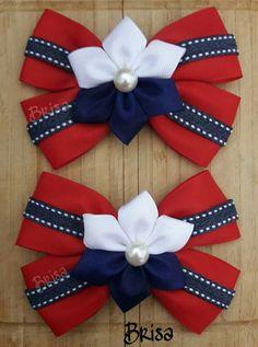 Moño escolar Making Hair Bows, Diy Hair Bows, Diy Bow, Ribbon Art, Ribbon Bows, Baby Girl Items, Dog Quilts, Toddler Hair Clips, Hair Bow Tutorial
