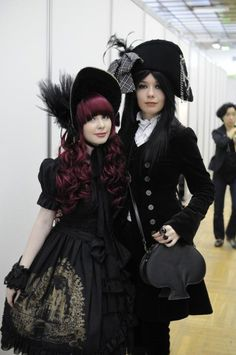 A beautiful Gothic Lolita and Aristocrat, Ouji style. Lolita Goth, Gothic Lolita Fashion, Gothic Outfits, Lolita Dress, Lolita Style, Goth Style, Japanese Street Fashion, Tokyo Fashion, Harajuku Fashion