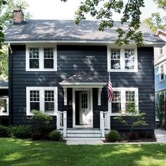 Navy House Exterior, Colonial House Exteriors, White Exterior Houses, Craftsman Exterior, Exterior Siding, Dark Blue Houses, Navy Houses, Blue Siding, Exterior Paint Colors