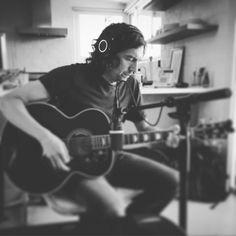 """ 6 strings and the truth … making songs today "" Gary Lightbody, Snow Patrol, Beautiful Lyrics, Songs, Music, Ireland, Smile, Train Station, Musica"