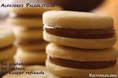 Alfajores (Sin gluten, Sin lacteos, Sin azucar refinada) Ingredientes :  ¼ taza de dulce de leche paleo-1 taza de harina de almendra - ¼ taza de harina de coco- 3 cucharadas de almidón de yuca (harina de tapioca)- ½ cucharadita de bicarbonato de sodio- 1 huevo- ¼ cucharadita de esencia de vainilla- 1/3 taza de jarabe de arce- 2 cucharadas de aceite de coco liquido.