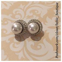 ❗️ONE DAY SALE❗️Pearl / Silver Earrings Stunning Faux Pearl on silver base earrings Jewelry Earrings