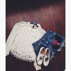 This is my OOTD from a couple of days ago! I wore a floral lace white top with my Levi shorts, and my white doc martens! #topshop #levis #docmartens #fashion #style