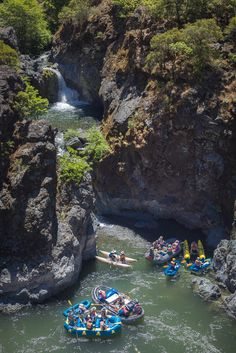 Rafts on the Rogue River below Stair Creek via @nwrafting