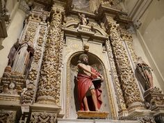 Side altar in the Duomo of Lecce (Italy). Visit the website for other pictures!