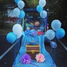 under the sea trunk or treat Halloween Party Costumes, Halloween Treats, Halloween Decorations, Trunk Or Treat, Holidays Halloween, Halloween Fun, Fashion Art, Mermaid Diy, Fall Fest