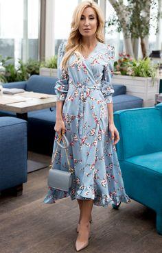 Приталенное платье на запáх с цветами и птицами TOP20 Studio / 2000001070604-1