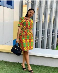 ankara mode Kesyhub is your one stop site for all your fashion and beauty needs. We provide you with trending fashion and keep you updated all year round Short African Dresses, Ankara Short Gown Styles, Short Gowns, Latest African Fashion Dresses, Ankara Gowns, Ankara Skirt, Ankara Fashion, Kente Dress, African Print Dress Designs