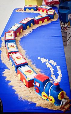 Amazing birthday cake for a train party! Amazing birthday cake for a train party! Thomas Birthday Parties, Thomas The Train Birthday Party, 4th Birthday Cakes, Trains Birthday Party, Train Party, Birthday Cake For Kids, Cake Kids, Birthday Ideas, Dessert Party
