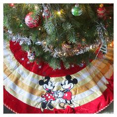 High Quality Vintage Mickey Mouse Christmas Tree Skirt.