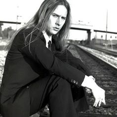 Jerry Cantrell so hottttttt! Alice In Chains, Gerard Way, Grunge, Mike Inez, Mike Starr, Jerry Cantrell, Mad Season, Temple Of The Dog, Layne Staley