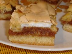 Habos almás lepény Eat Dessert First, Cheesecake, Paleo, Food And Drink, Sweets, Cooking, Life, Hungarian Recipes, Yummy Cakes