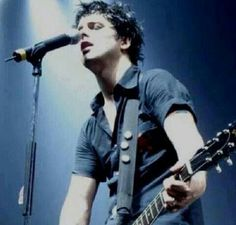 """Billie is gorgeous❤❤"" Happy Birthday Billie Joe Armstrong!"